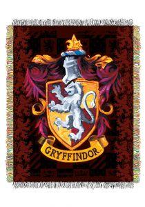harry-potter-gryffindor-crest-tapestry-throw